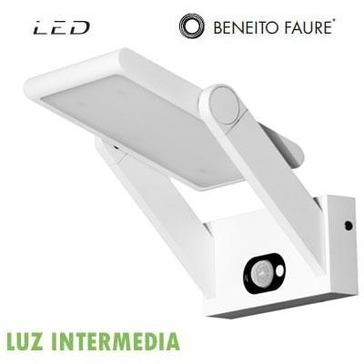 Aplique Beneito & Faure 3531 panel solar PROA LED blanco 2.5W 120º