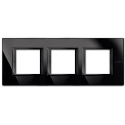 Marco recto Nighter HA4802M3HVNB BTicino Axolute 3 ventanas
